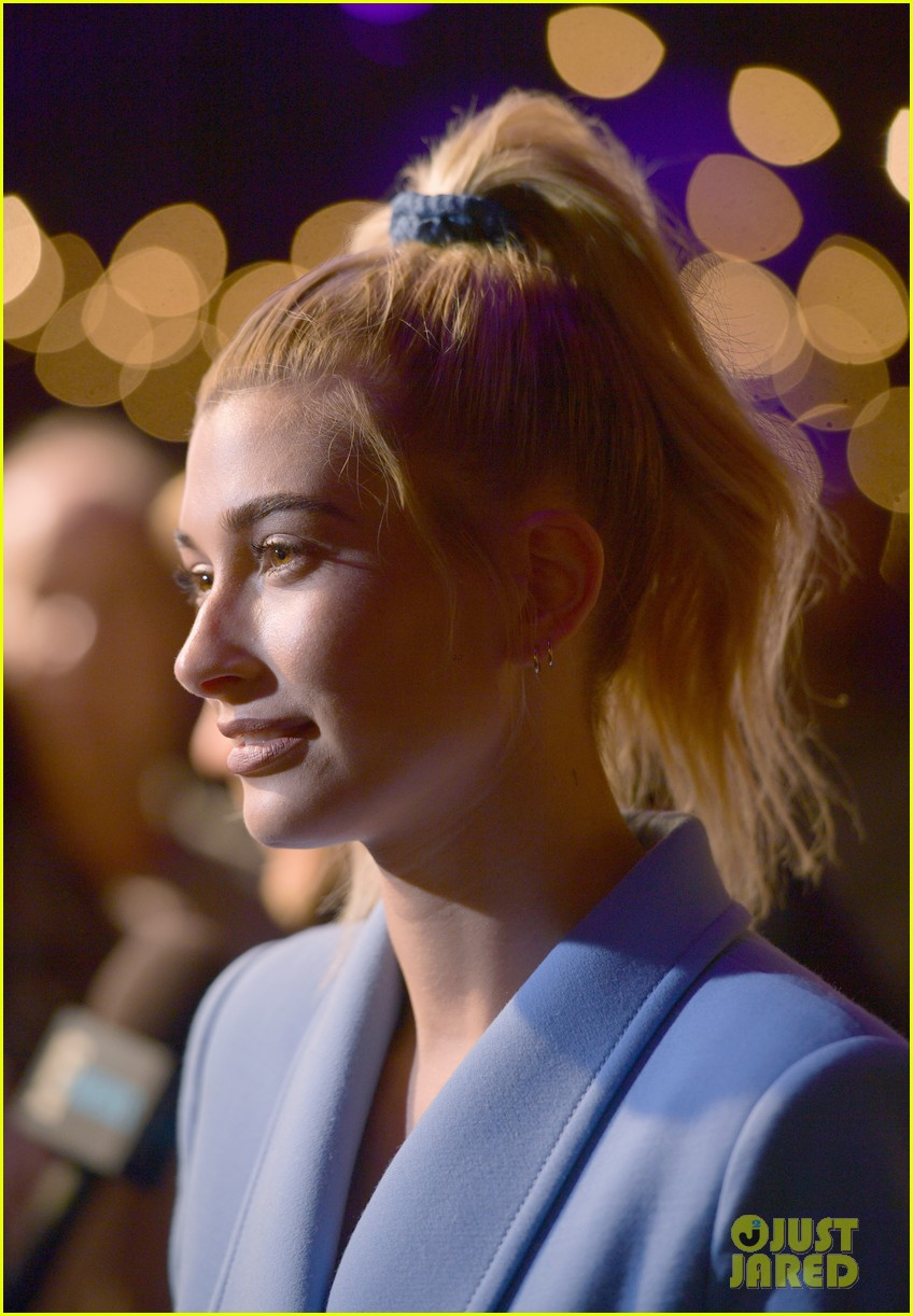 hailey baldwin church 063971535