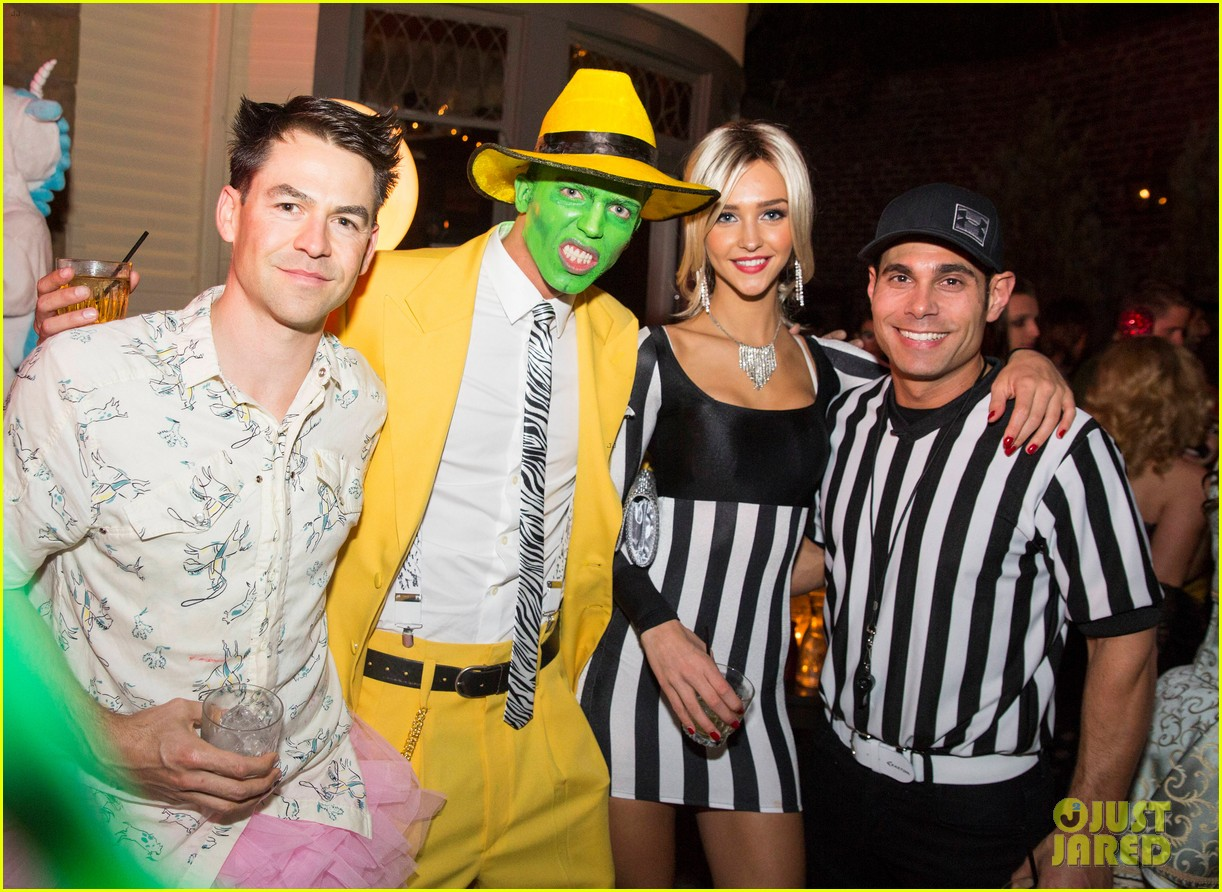 relive the best celeb costumes from just jared's halloween party in