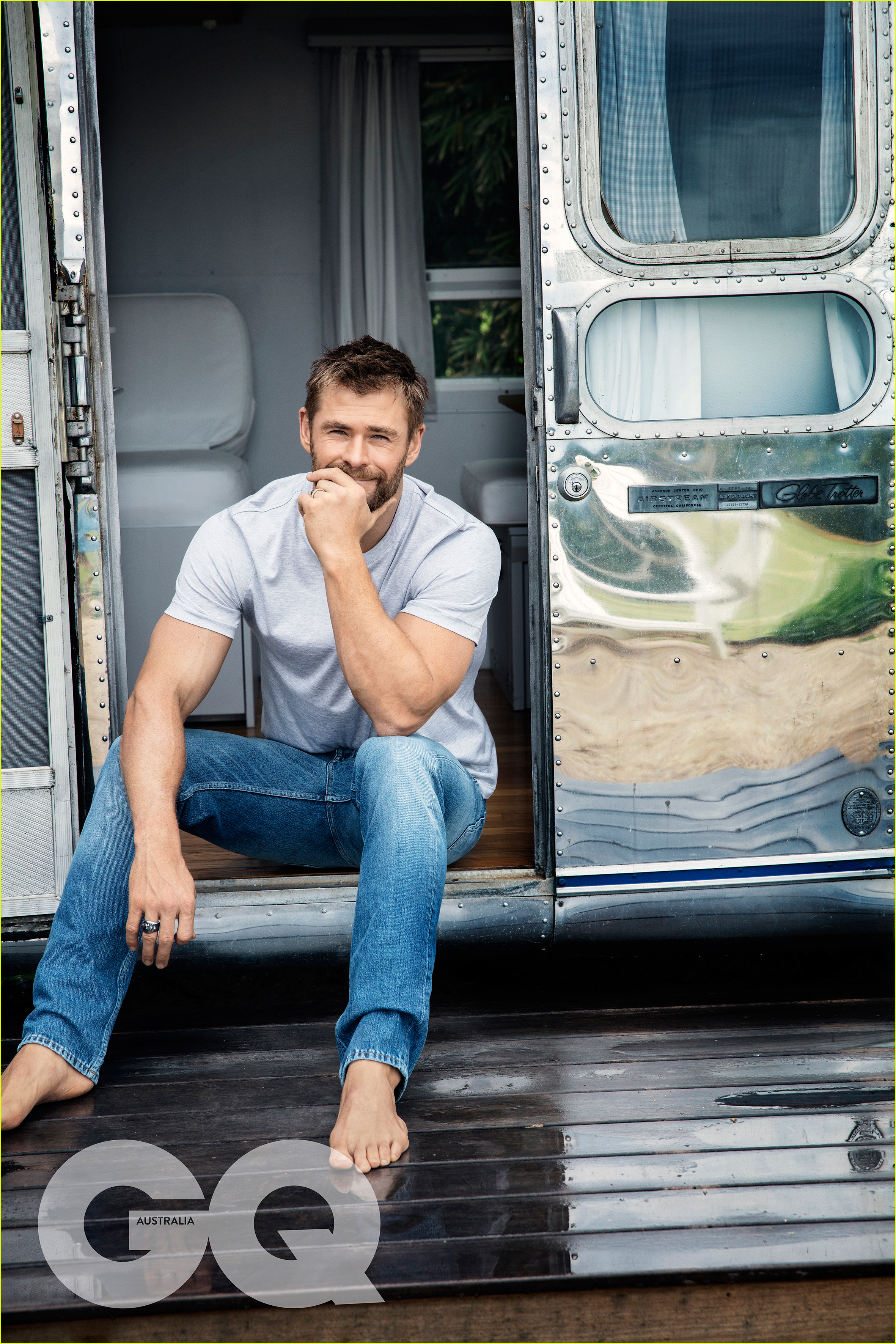 chris hemsworth feels responsible if his movie bombs at