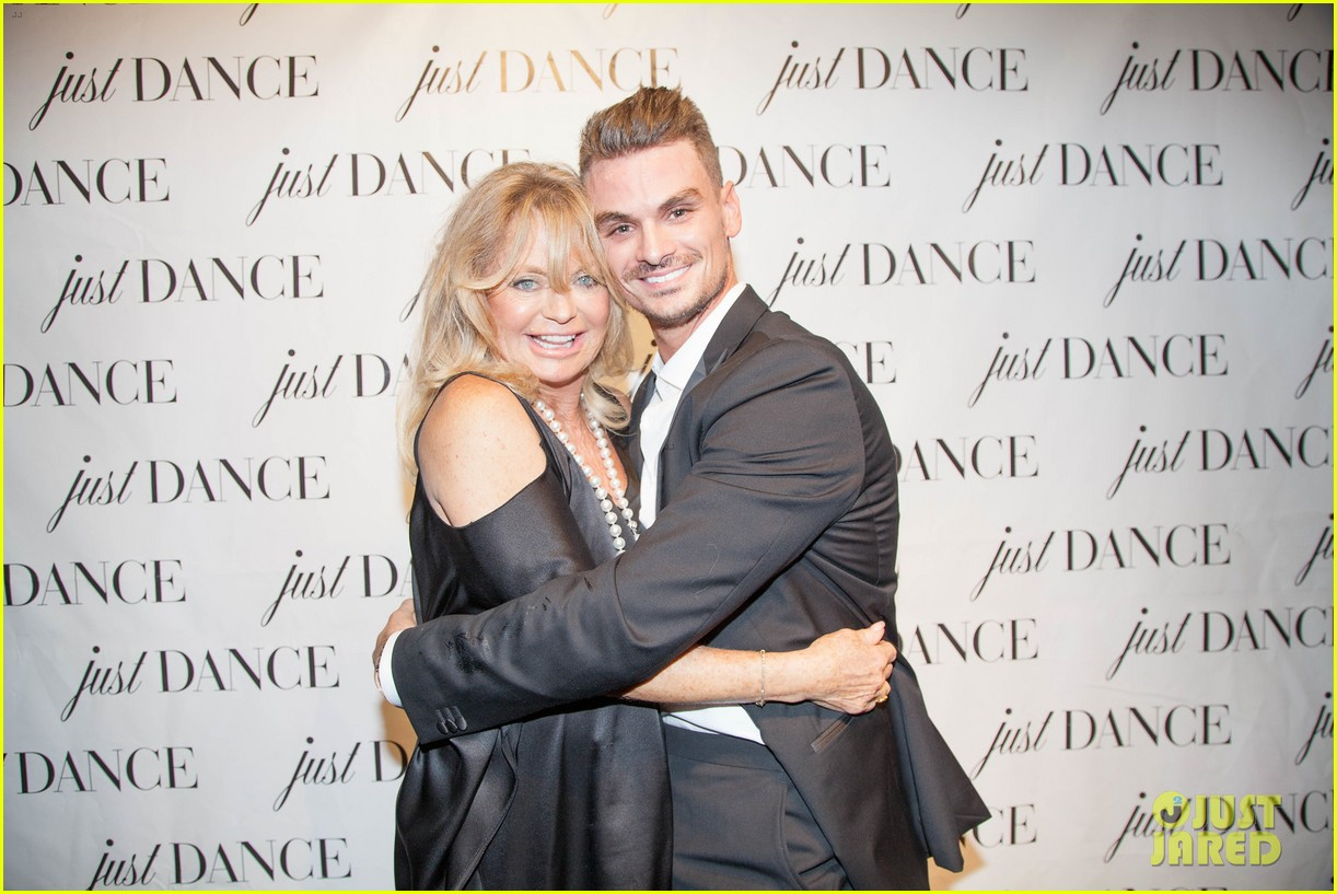 derek hough goldie hawn help launch the just dance studio 043971682