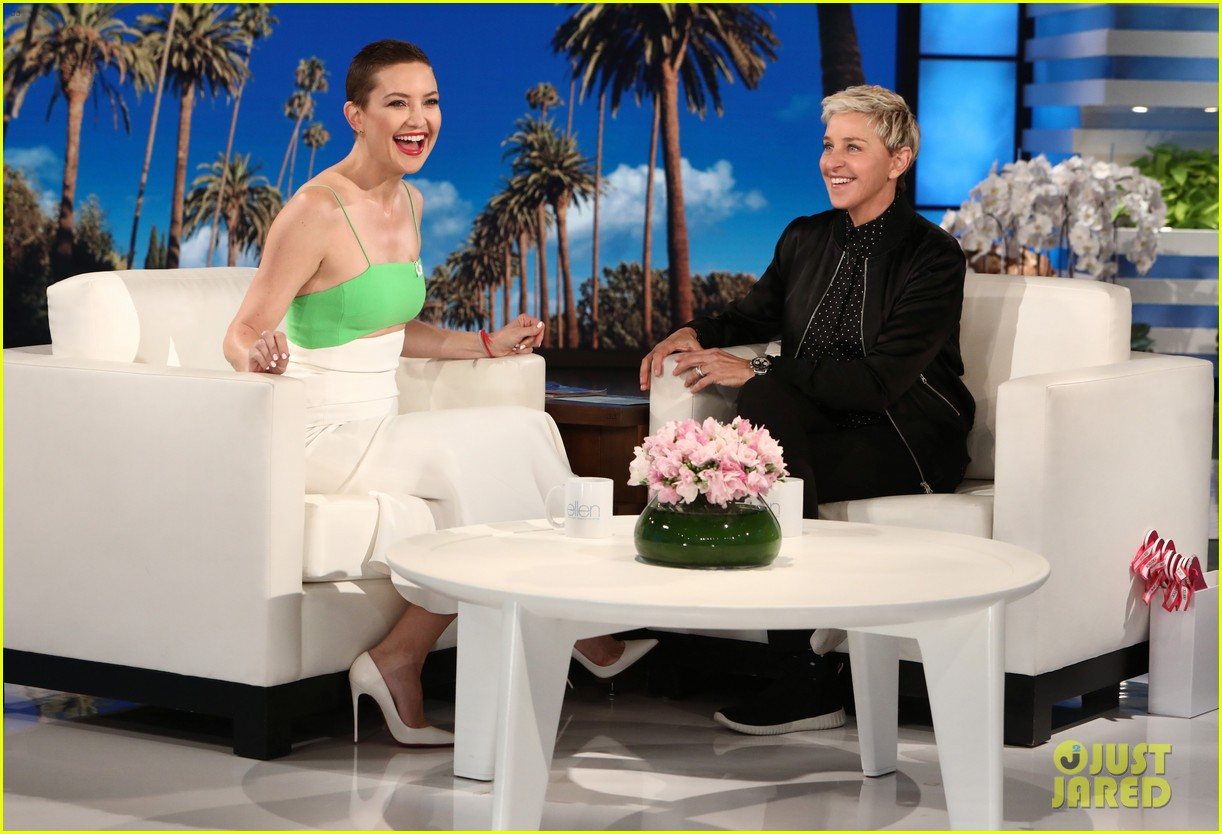 kate hudson tells ellen shes thinking of bringing the mullet back after growing out hair 043971409