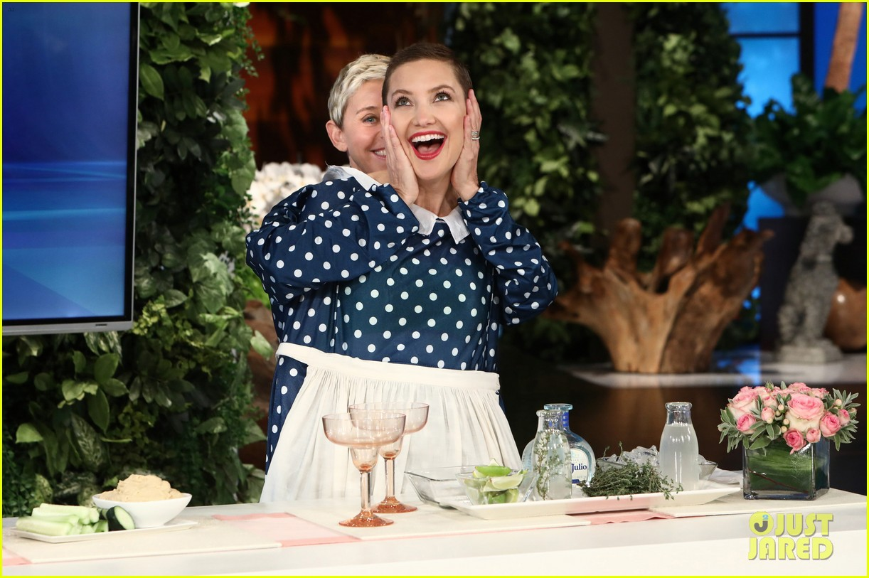 kate hudson tells ellen shes thinking of bringing the mullet back after growing out hair 063971411