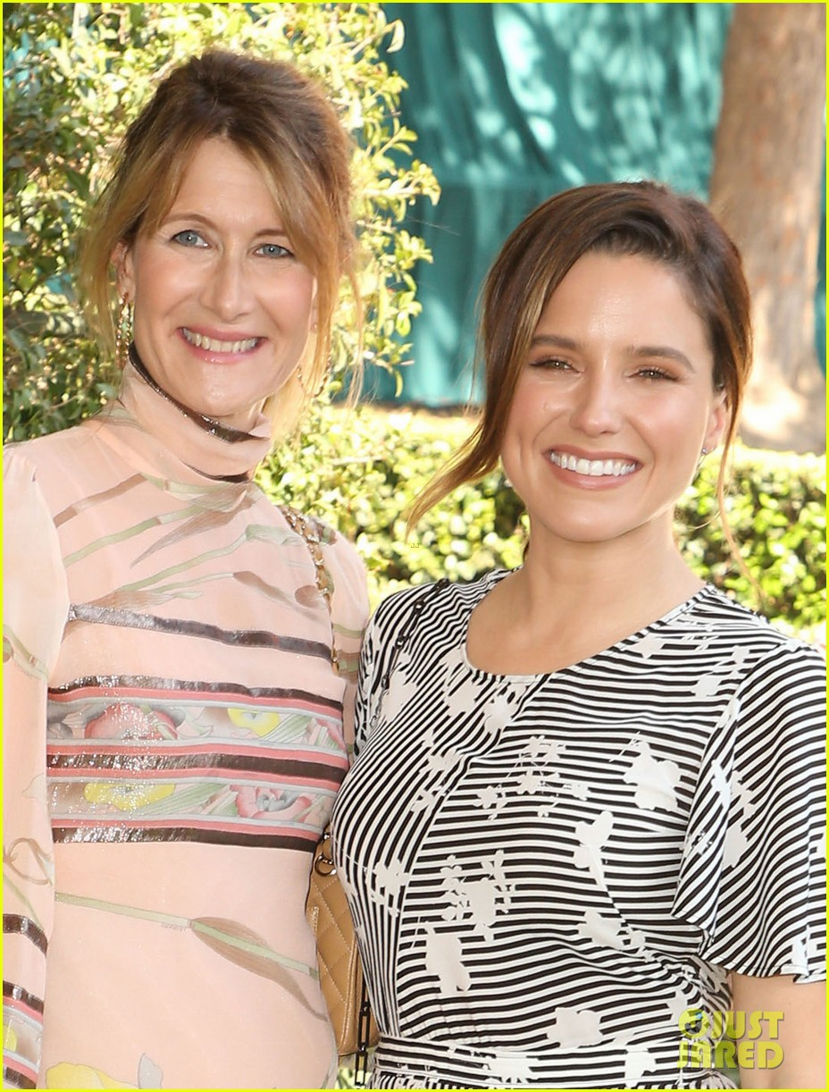 kate hudson joins laura dern sophia bush at veuve clicquot polo match 023972479