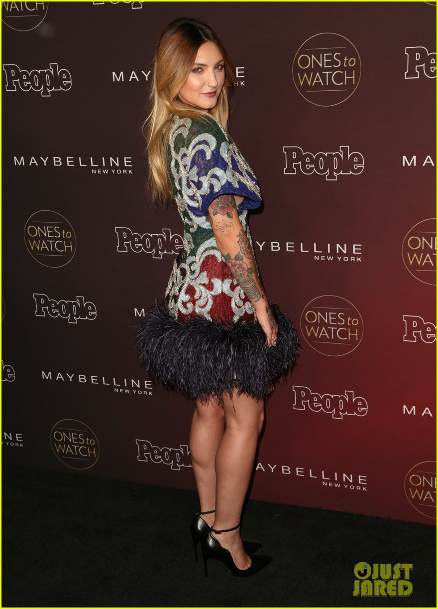 paris jackson julia michaels sasha pieterse more step out for people mags ones to watch party 653968415