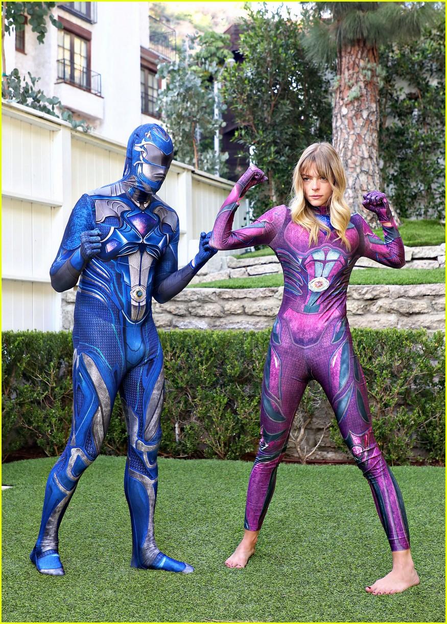 Jaime King \u0026 Family Dress Up as Power Rangers for Halloween Practice!