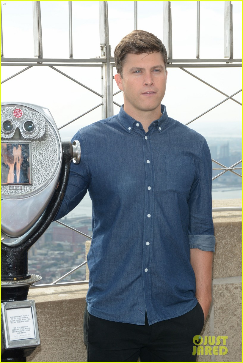 colin jost lights the empire state building in nyc 043968882