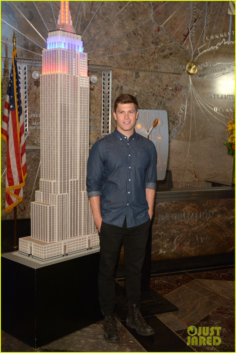 colin jost lights the empire state building in nyc 053968883