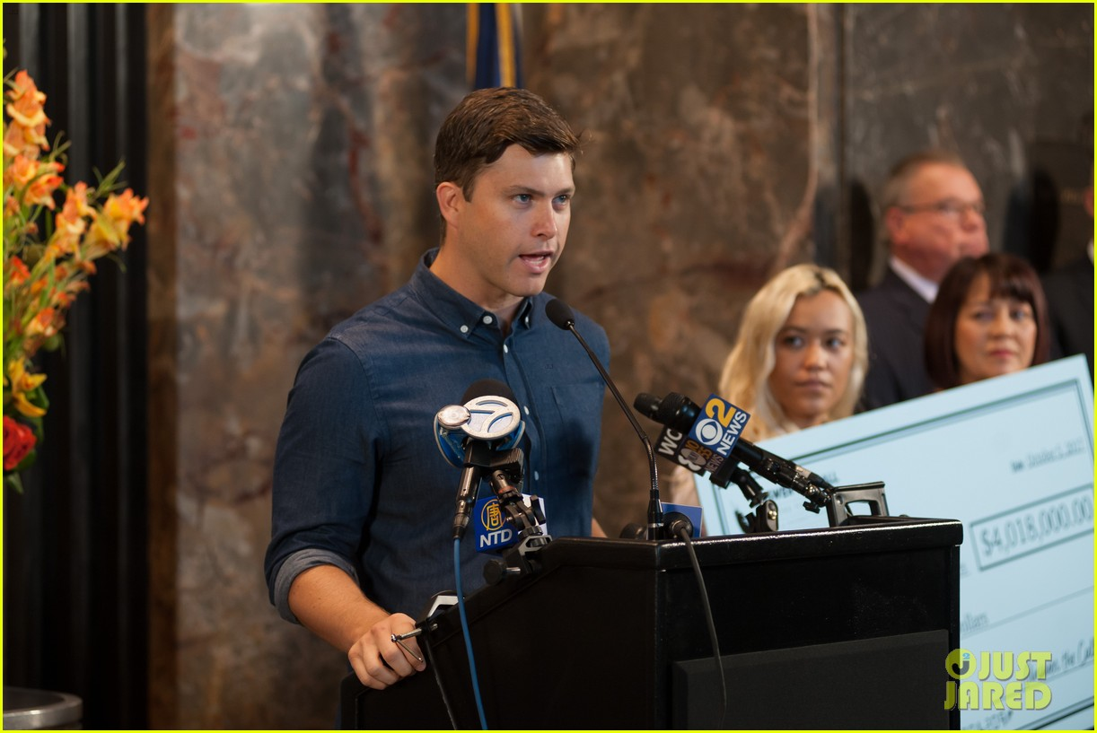 colin jost lights the empire state building in nyc 093968887