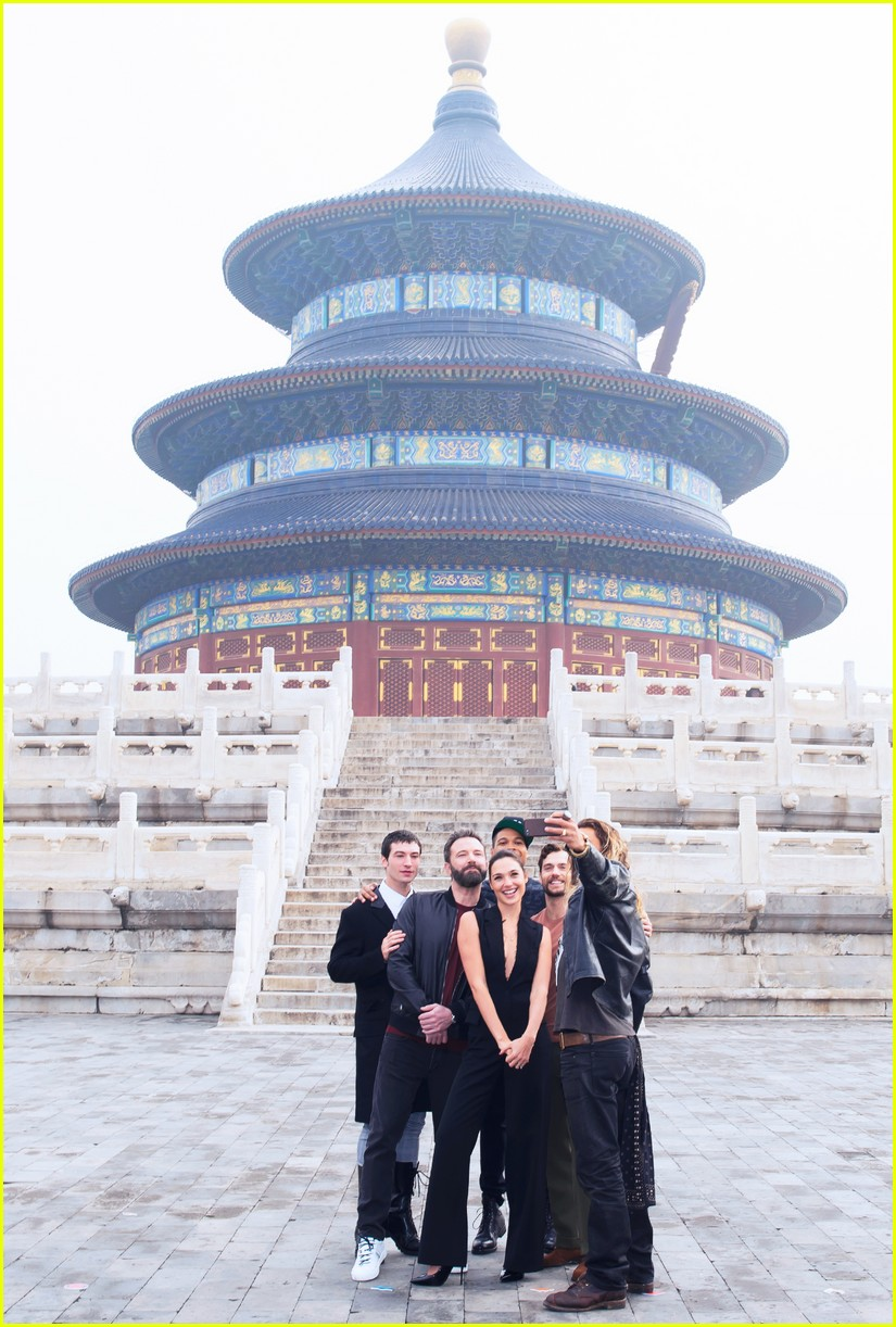 justice league cast tours china 053980010