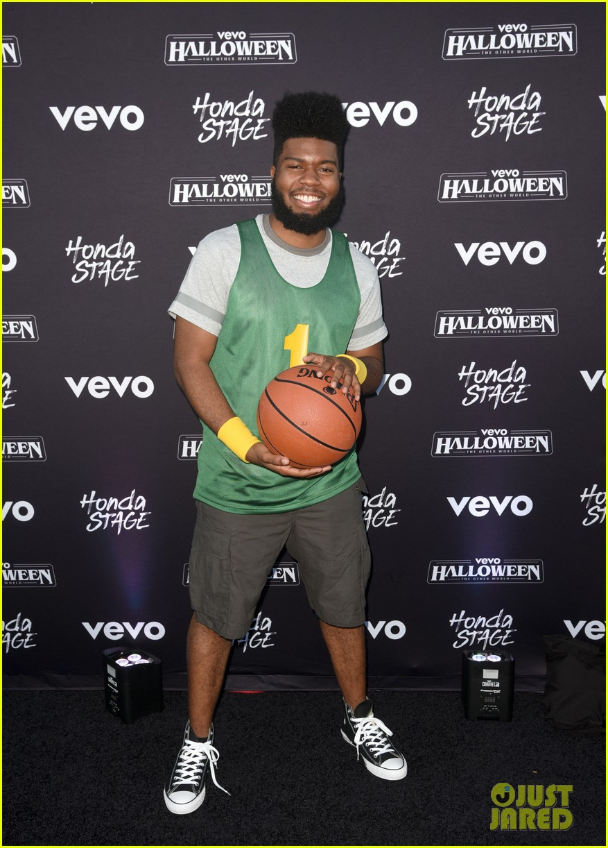 khalid, julia michaels & sza team up for vevo halloween 2017!: photo