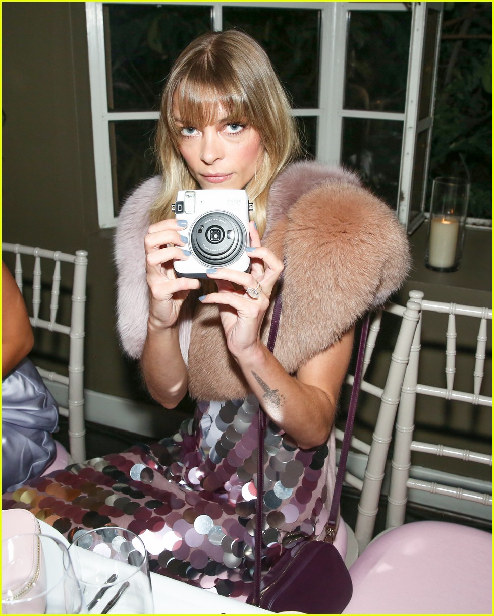 jaime king supports suki waterhouse and poppy jamie at pop and suki x nordstrom launch 013972144