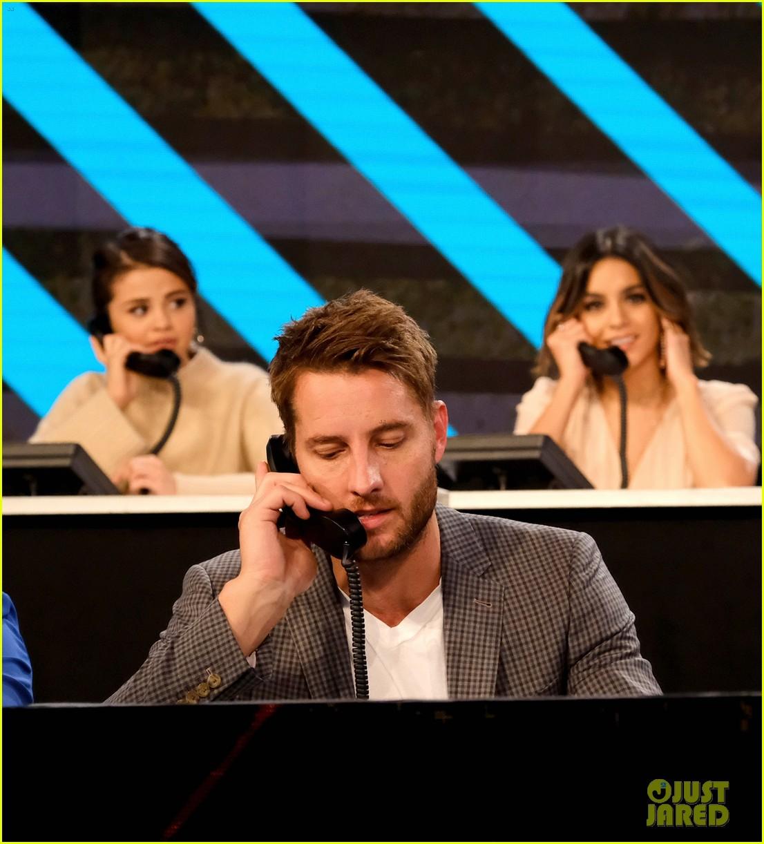 jared leto jesse williams answer calls during somos una voz benefit 123972624