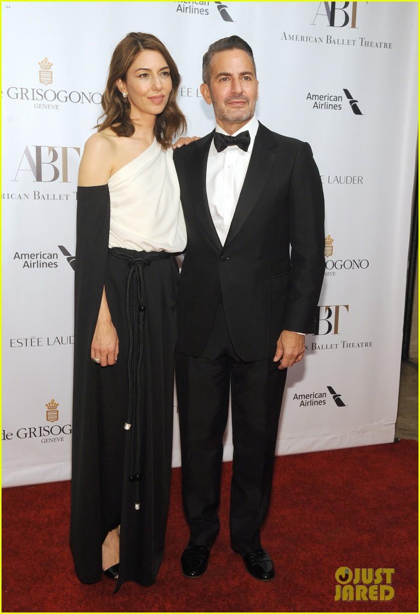 liev schreiber joins maggie gyllenhaal at american ballet theatre gala 053974909