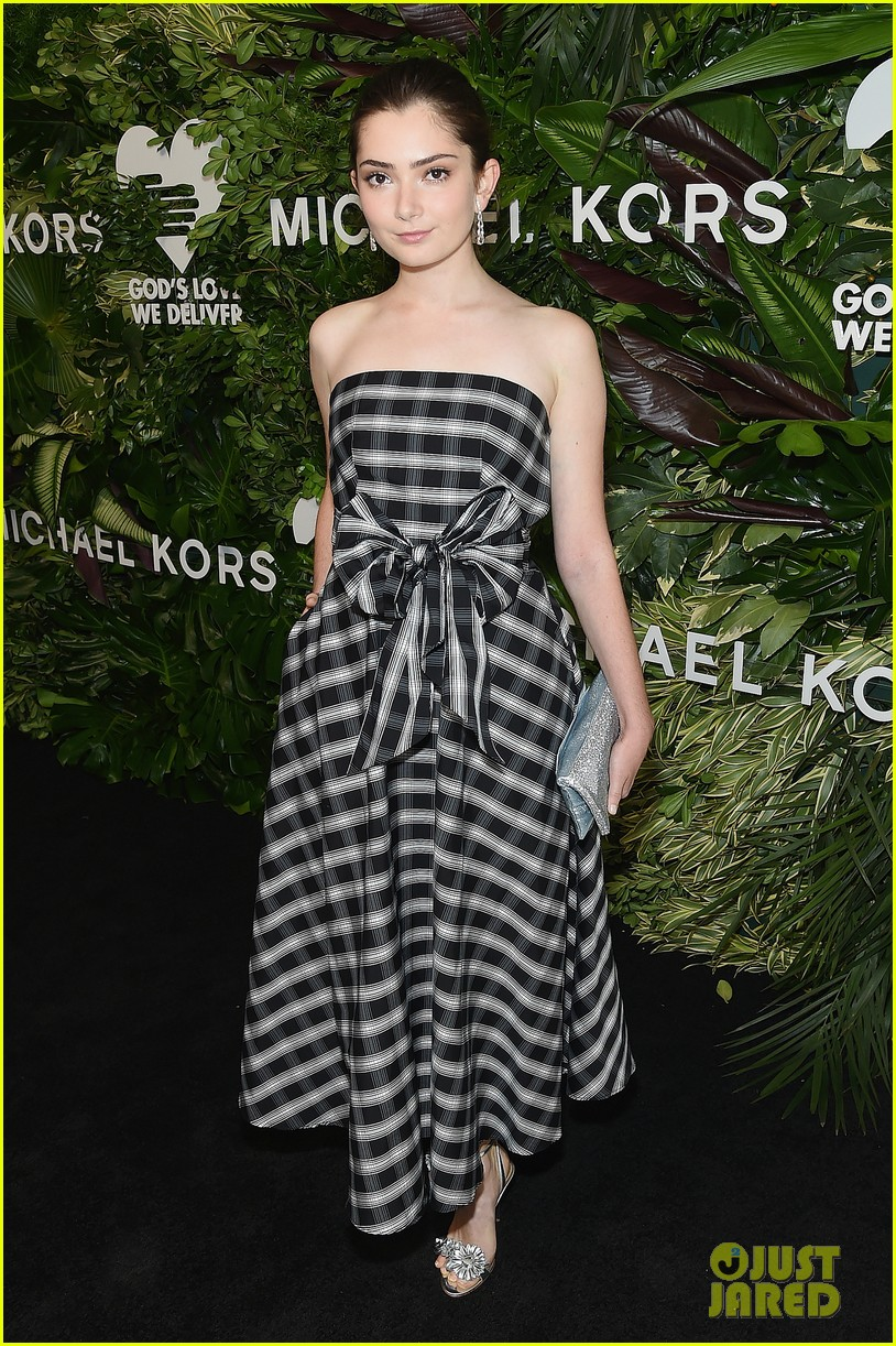 maggie gyllenhaal ashley graham golden heart awards 033973427