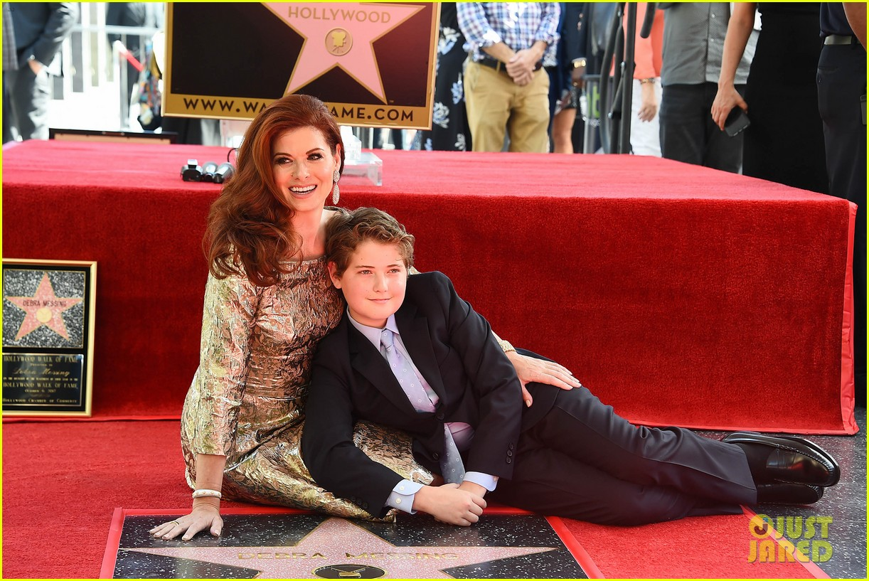 debra messings will and grace co stars support her at hollywood walk of fame ceremony 023969043