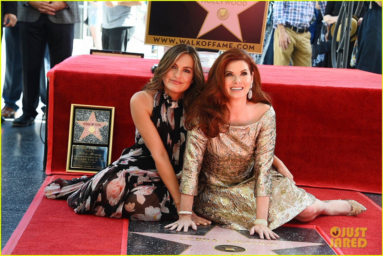 debra messings will and grace co stars support her at hollywood walk of fame ceremony 063969047