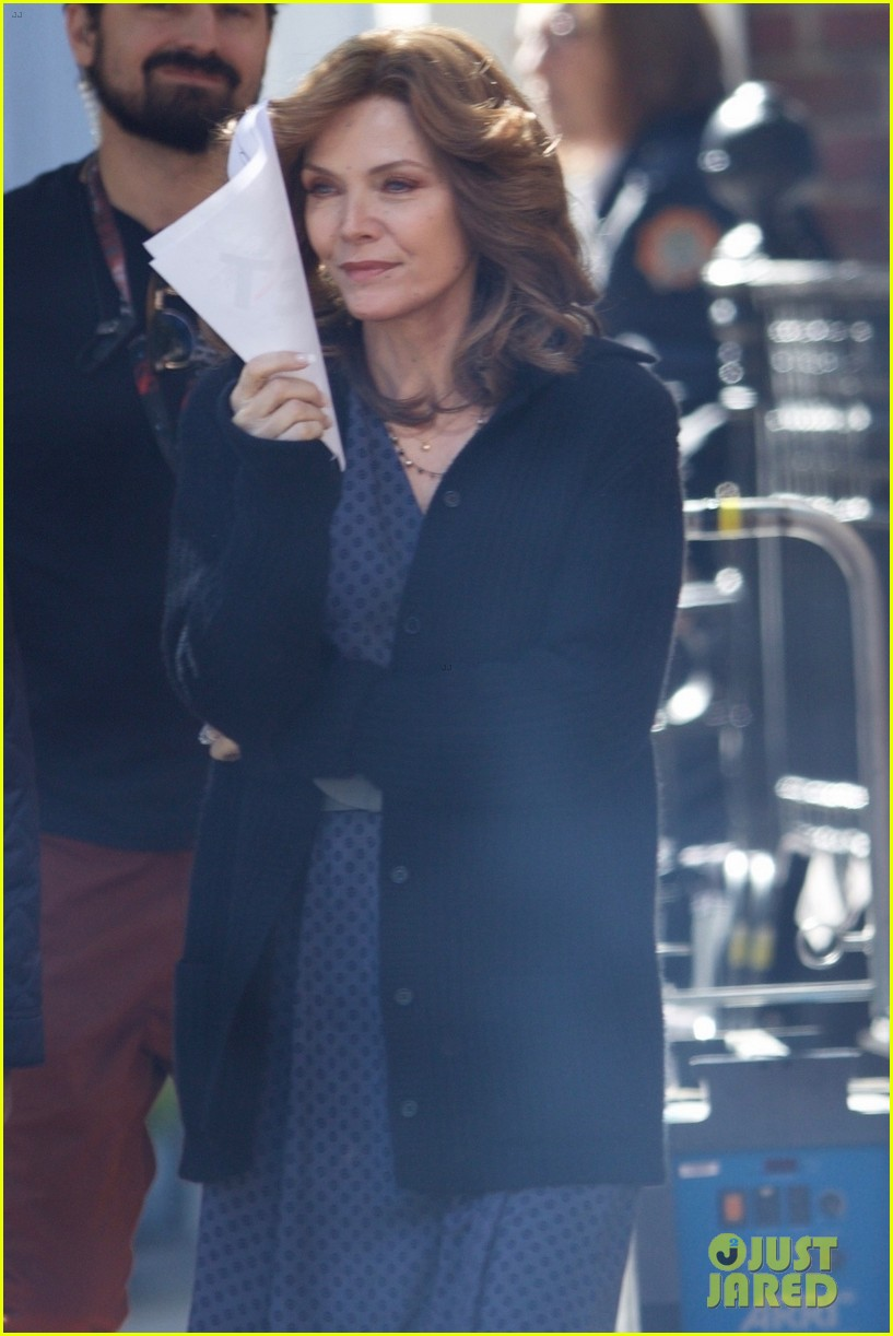 michelle pfeiffer spotted on ant man set first time 023980072