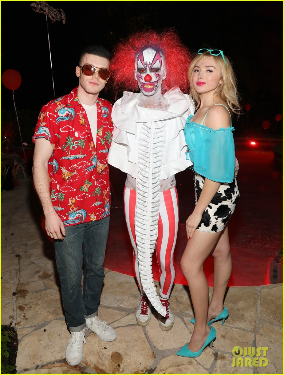 cameron monaghan peyton list just jared halloween party 023979054
