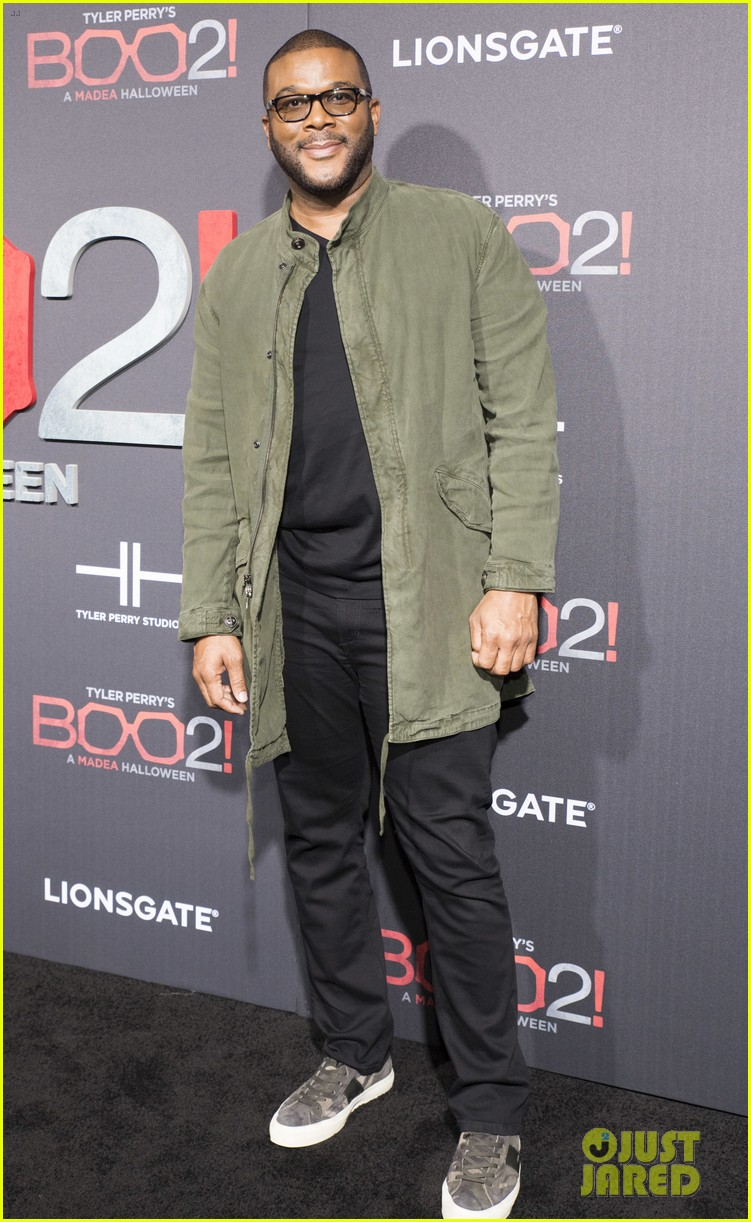 tyler perry gets support from carmen electra tara reid at boo 2 a madea halloween 013973737