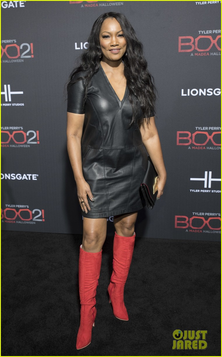 tyler perry gets support from carmen electra tara reid at boo 2 a madea halloween 053973741