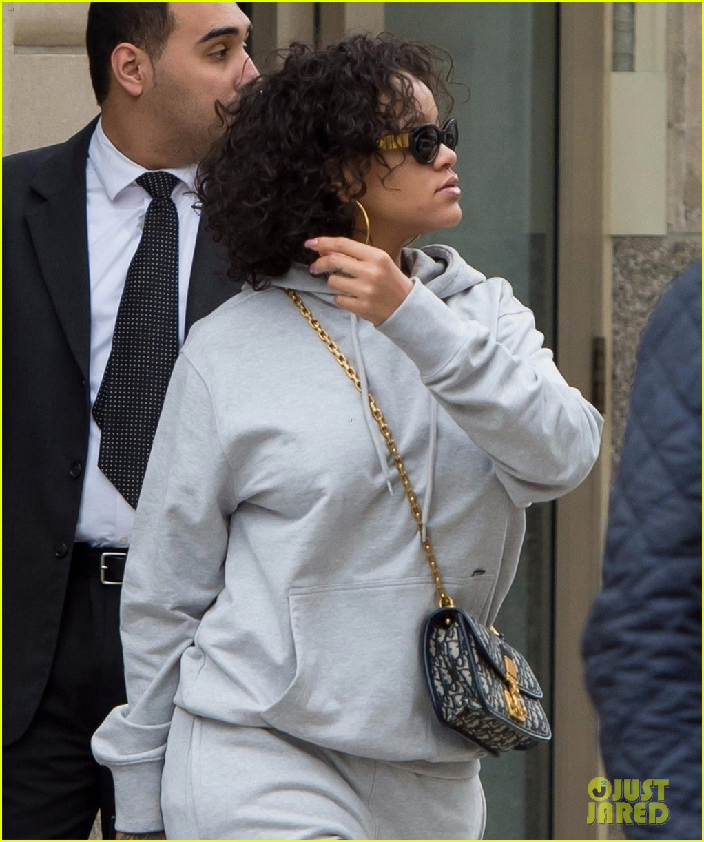 rihanna keeps it comfy but still stylish in a gray sweatsuit 033978613