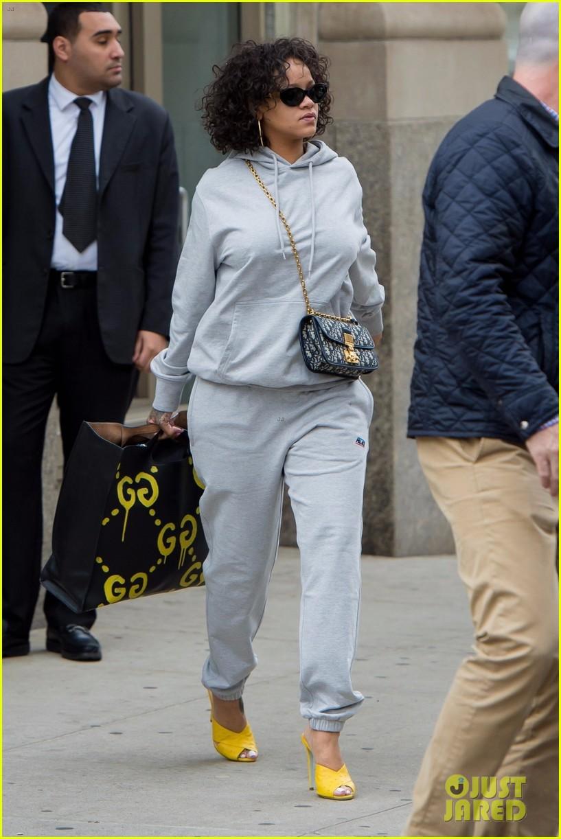 rihanna keeps it comfy but still stylish in a gray sweatsuit 043978614