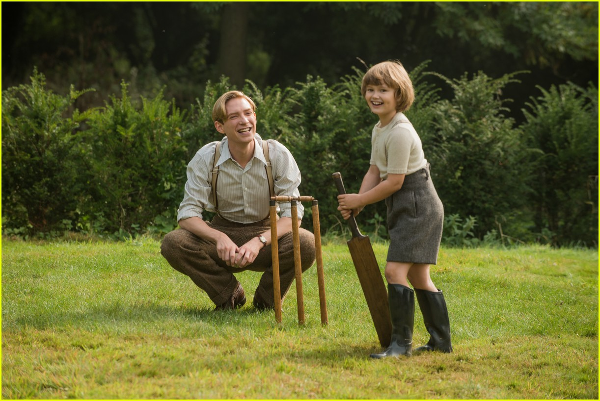goodbye christopher robin exclusive stills 023971376