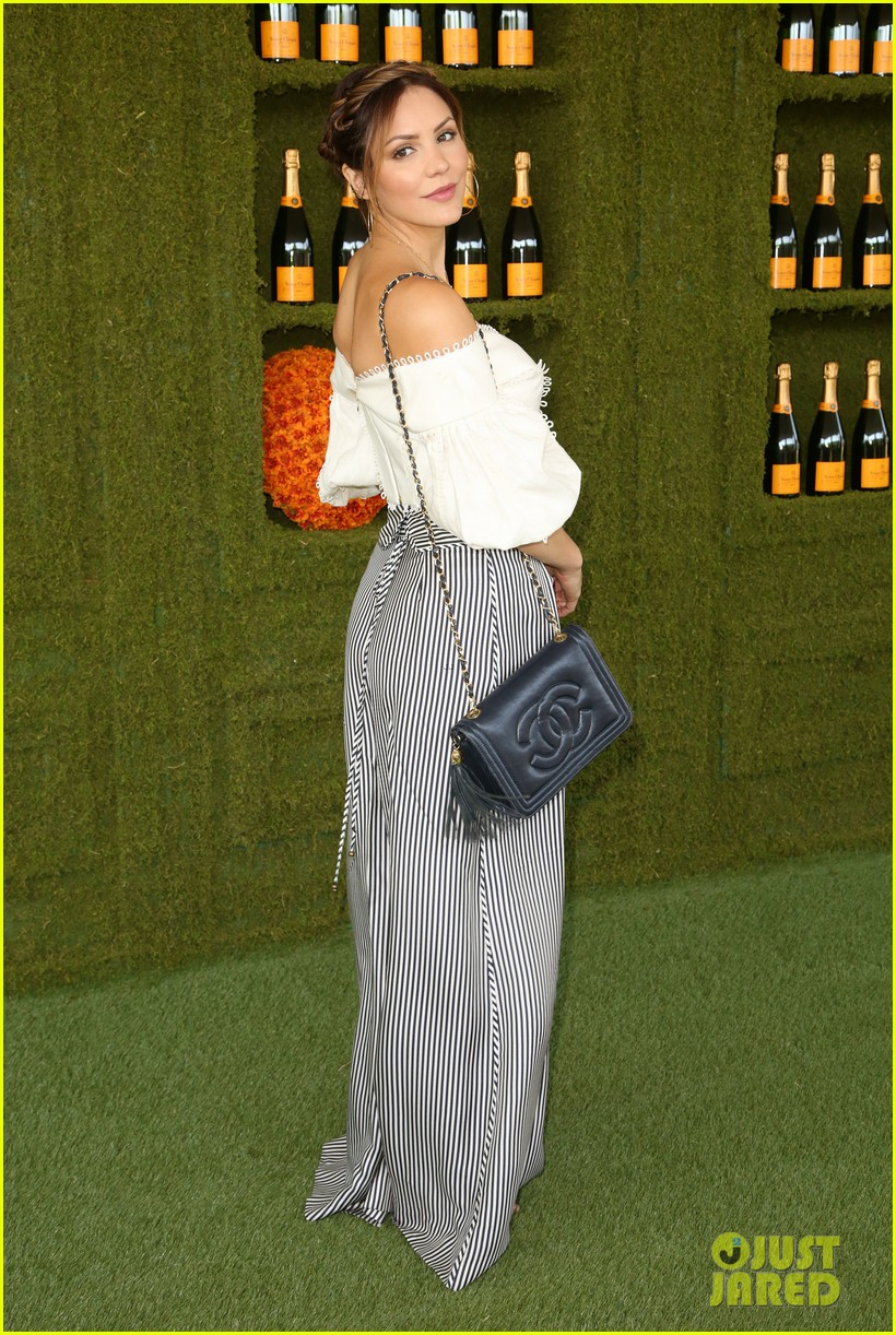 tracee ellis ross wears chic sun hatt for veuve clicquot polo classic 103972503