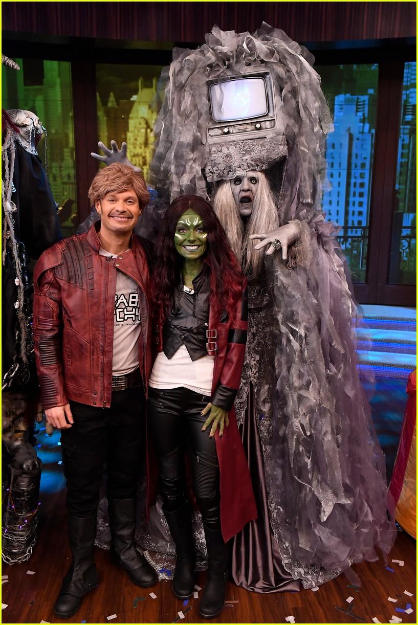 Kelly Ripa u0026 Ryan Seacrest Dress As Each Other for Halloween!  sc 1 st  Just Jared & Kelly Ripa u0026 Ryan Seacrest Dress As Each Other for Halloween!: Photo ...