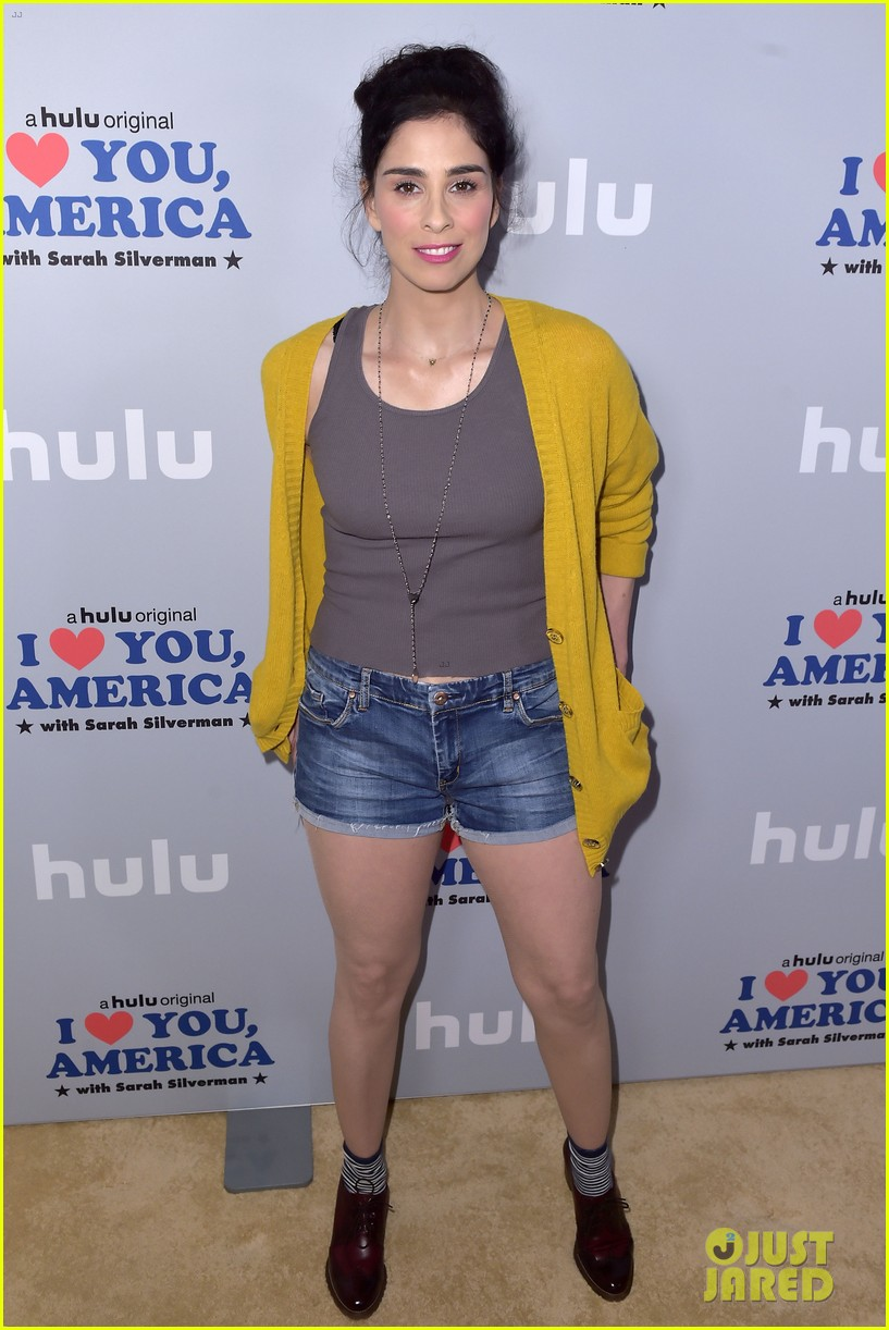 sarah silverman gets support from boyfriend michael sheen at i love you america 013971502