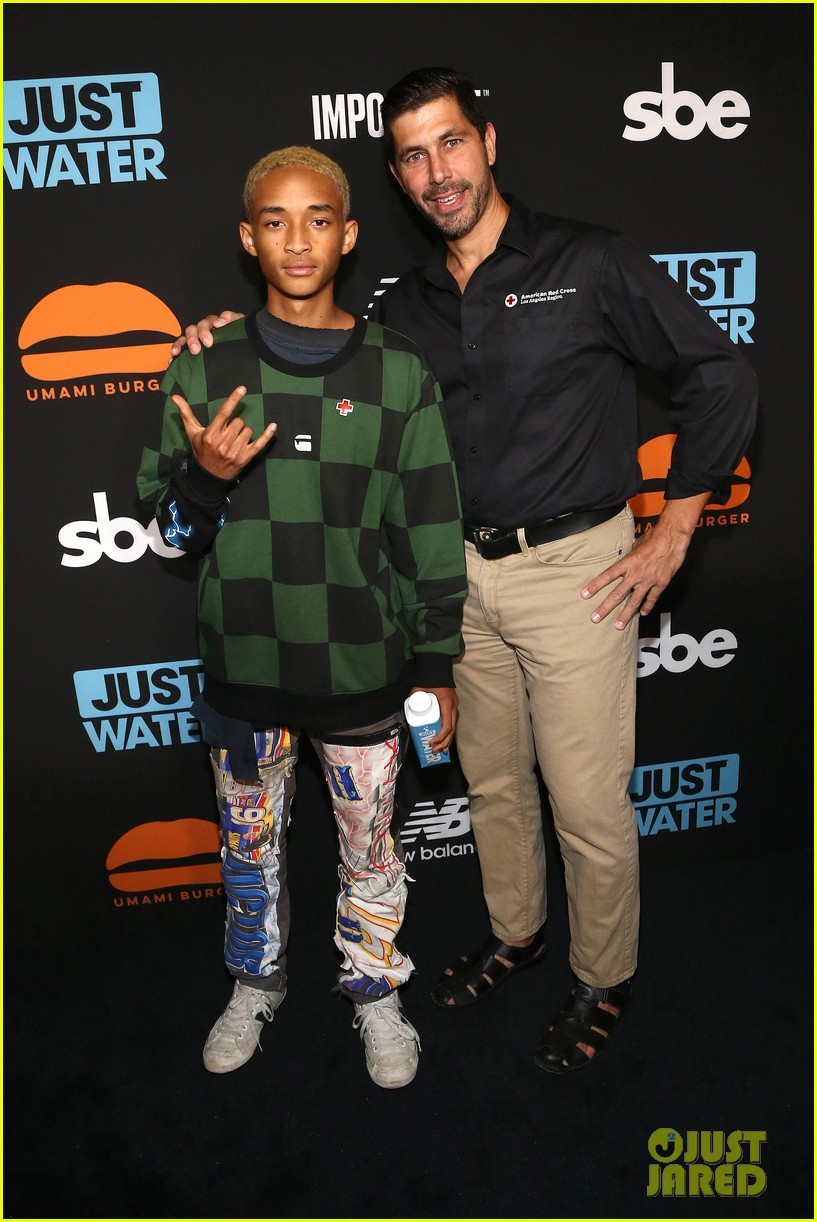 jada pinkett smith supports son jaden at umami burger impossible launch 093971423
