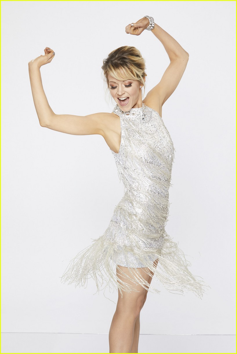 Lindsey Stirling Christmas Album.Dwts Lindsey Stirling Suffers Rib Injury Could Force Her