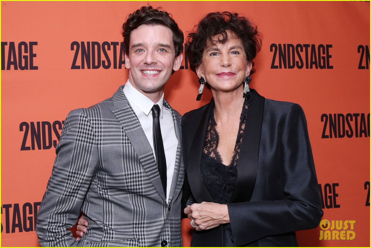 michael-urie-torch-song-opening-18.jpg