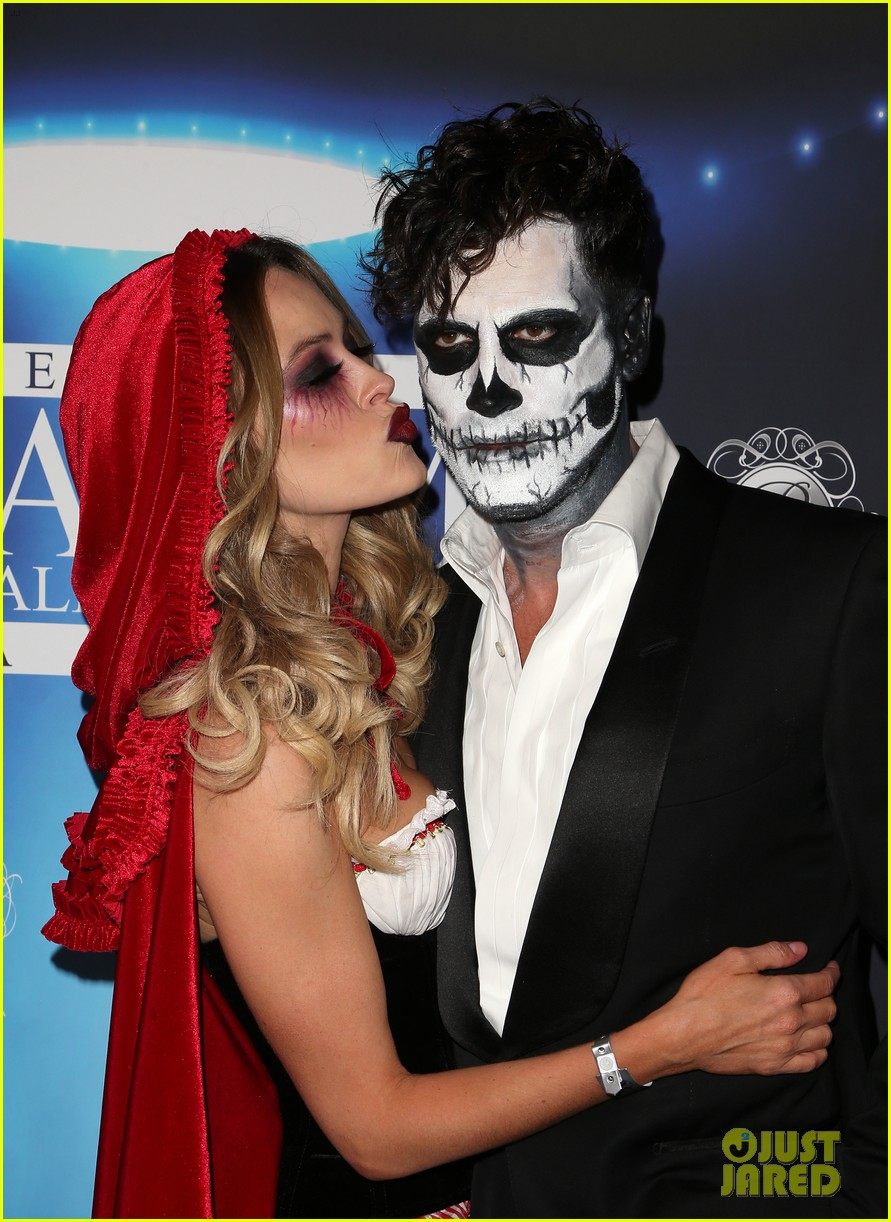 val maks chmerkovskiy show affection for their partners at maxim party 033976408