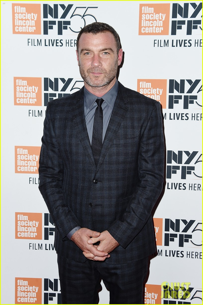 exes liev schrieber naomi watts reunite at nyc event 043971229