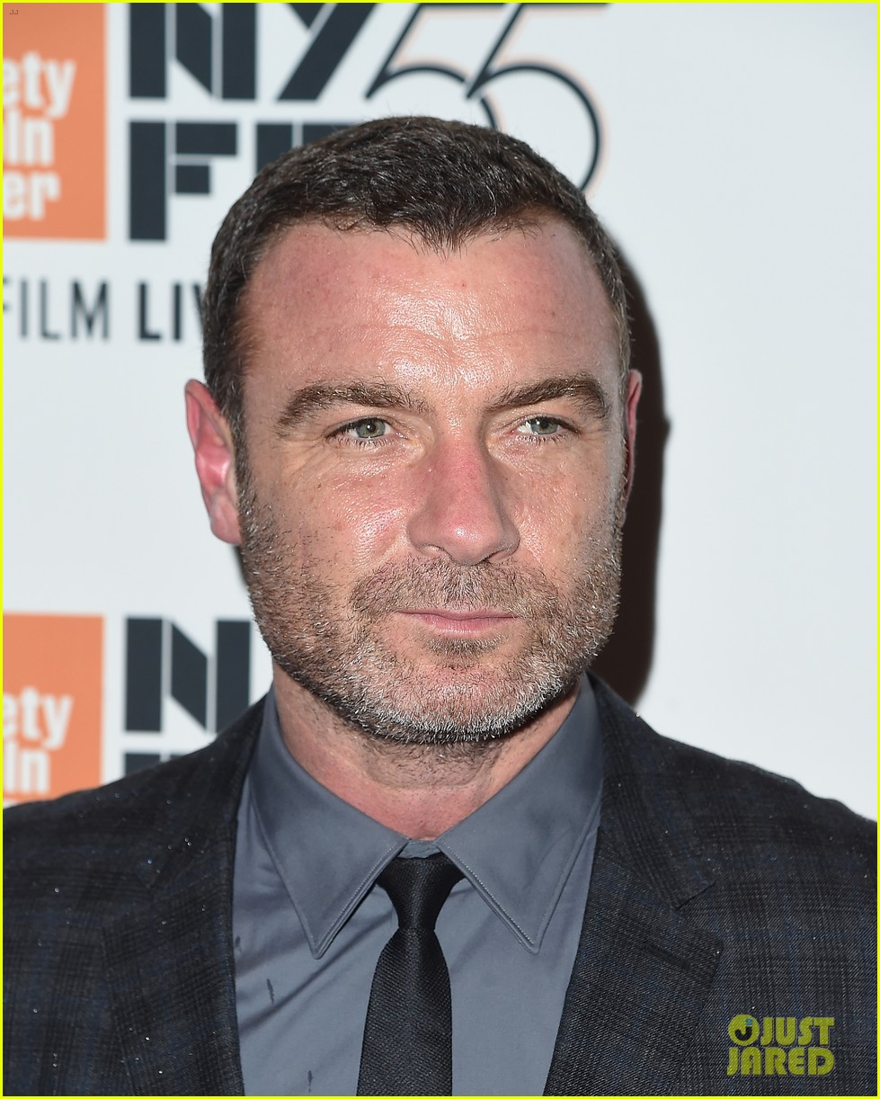 exes liev schrieber naomi watts reunite at nyc event 123971237