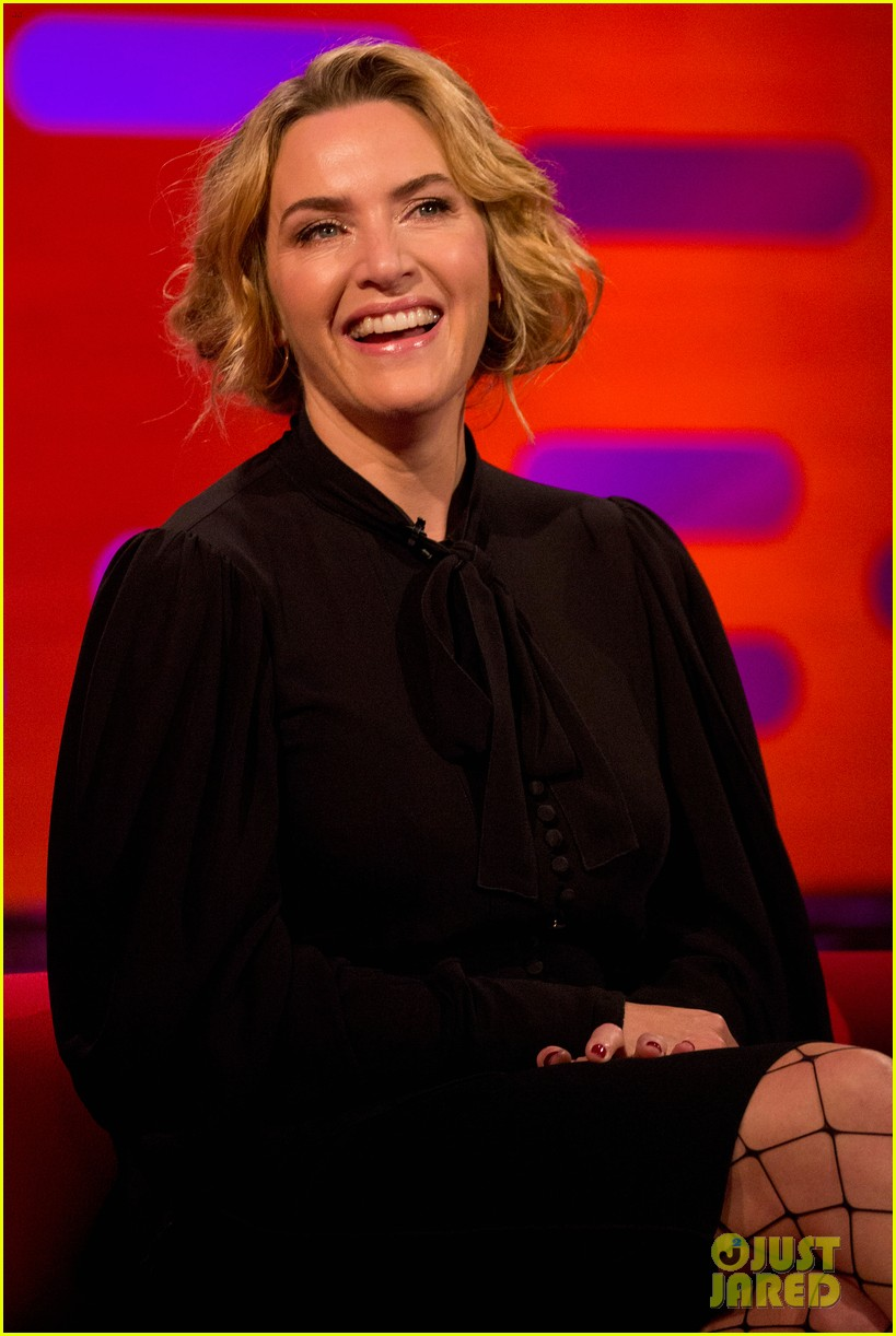 kate winslet reveals idris elba has a thing for feet on graham norton show 013969009