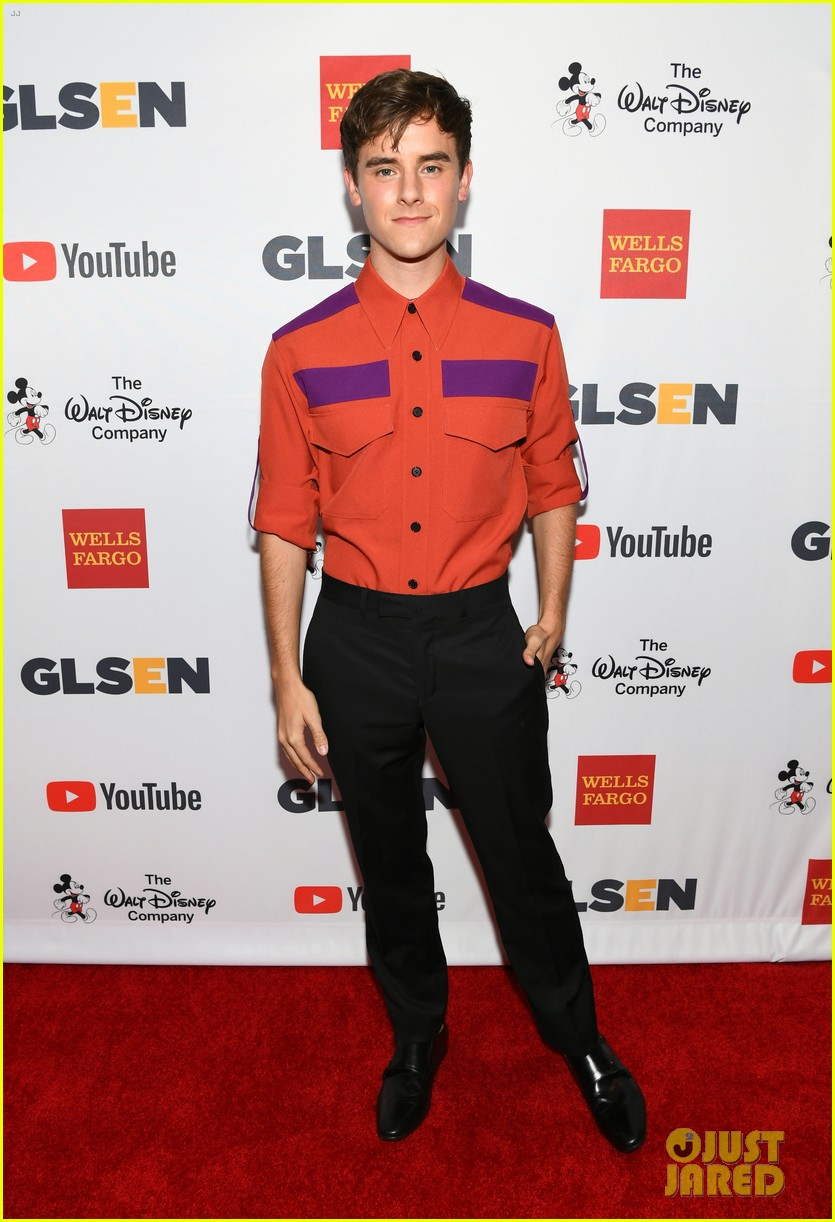 zendaya alisha boe and connor franta team up for glsen respect awards 033975877