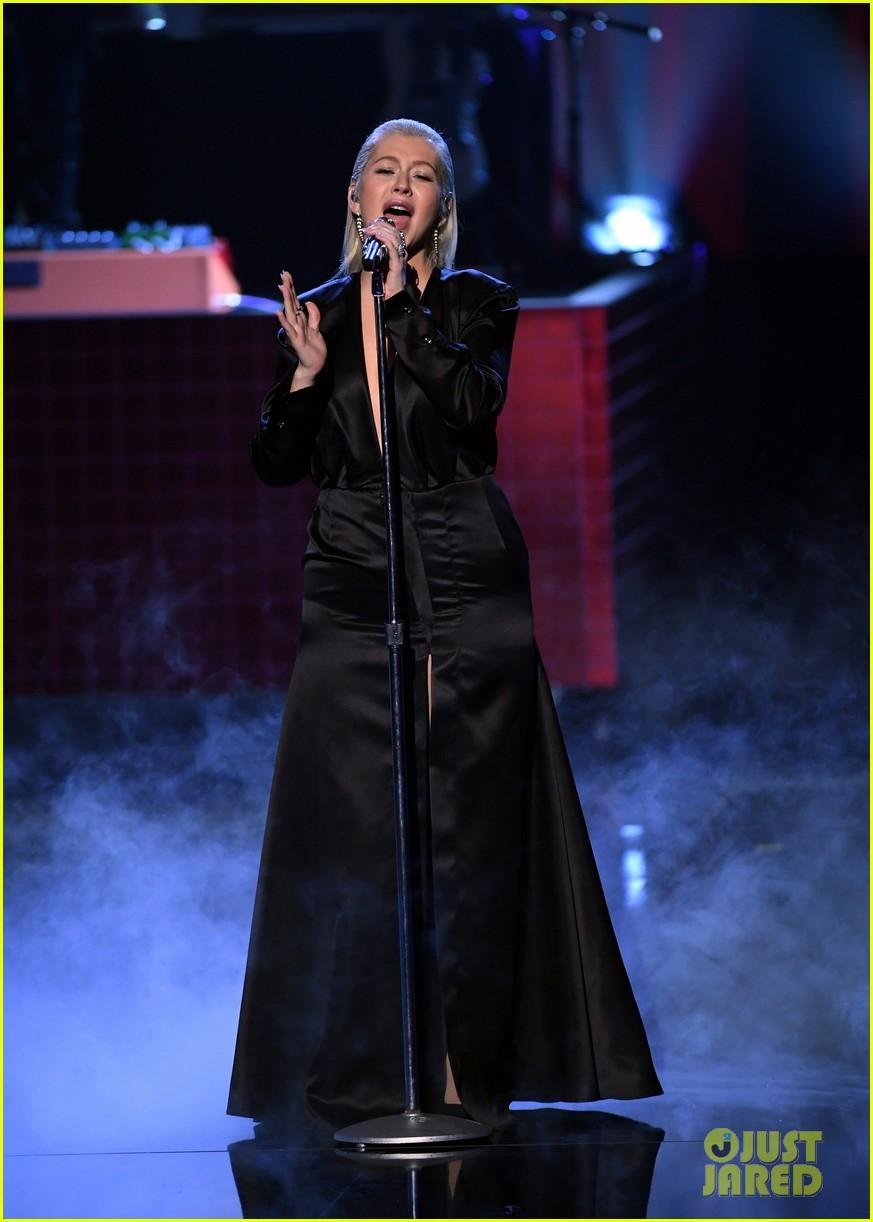 christina aguilera american music awards 2017 013990163