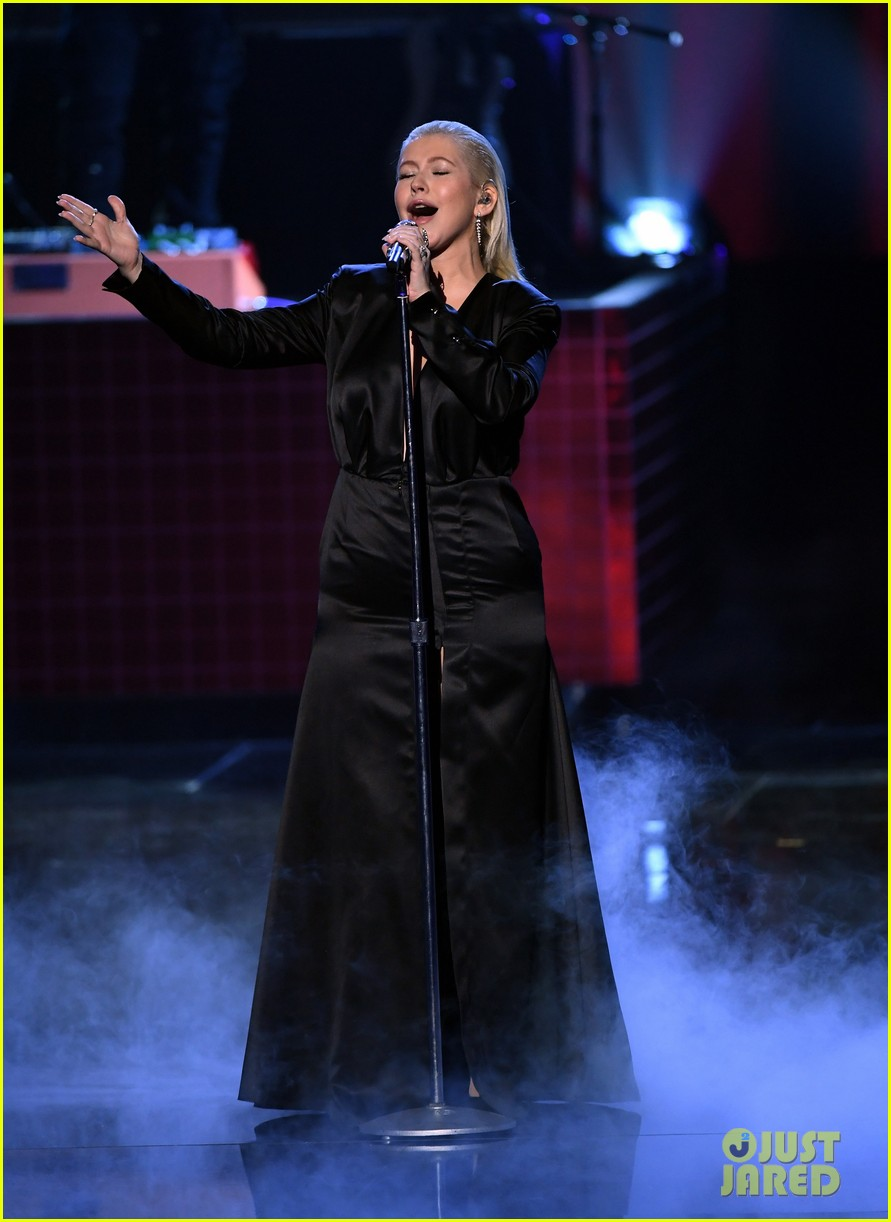 christina aguilera american music awards 2017 053990167