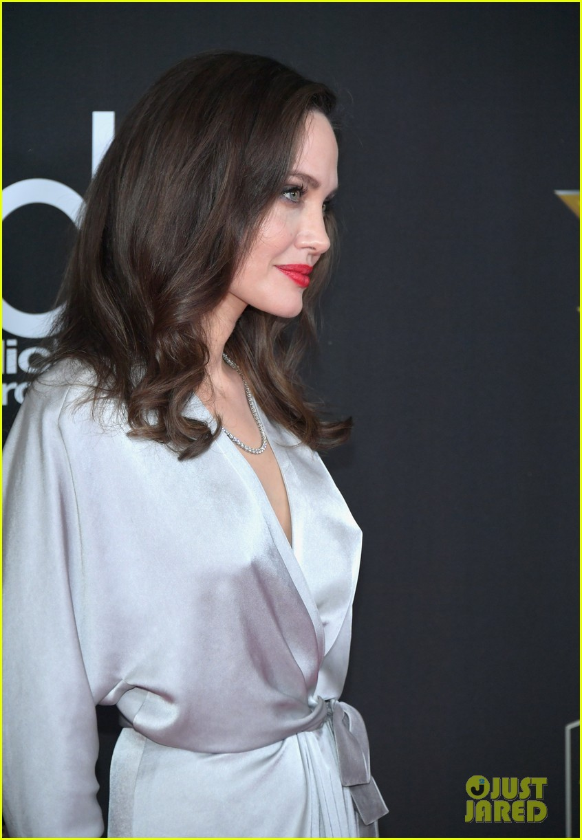 angelina jolie hollywood film awards 2017 063982815