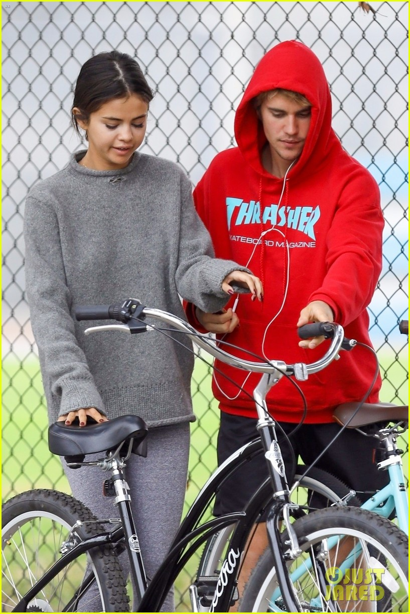 justin bieber selena gomez bike ride together 033980799