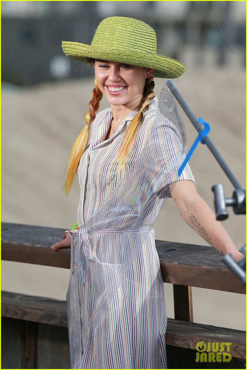 miley cyrus looks beautiful in blue during venice beach shoot 023988780