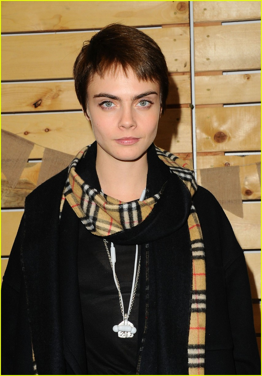 cara delevingne january jones jessica szohr and more step out for fall fashion event 093988071