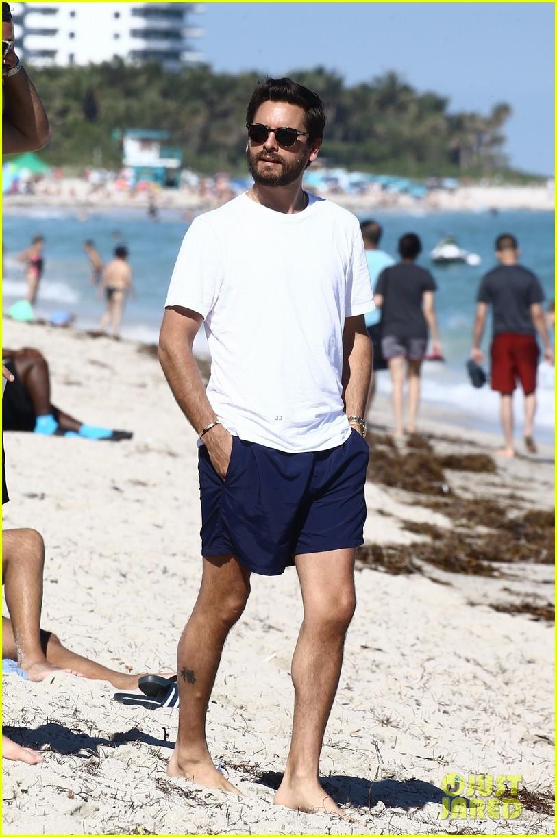 scott disick hits the beach in miami 033992258