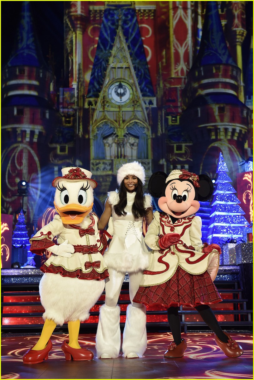 disneys magical holiday celebration 2017 performers lineup full list revealed
