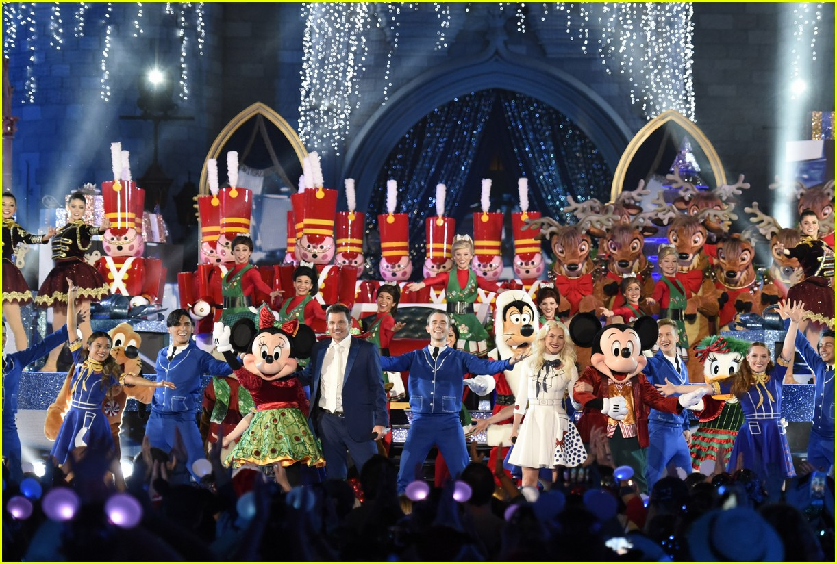 disney christmas special performers lineup 053994375