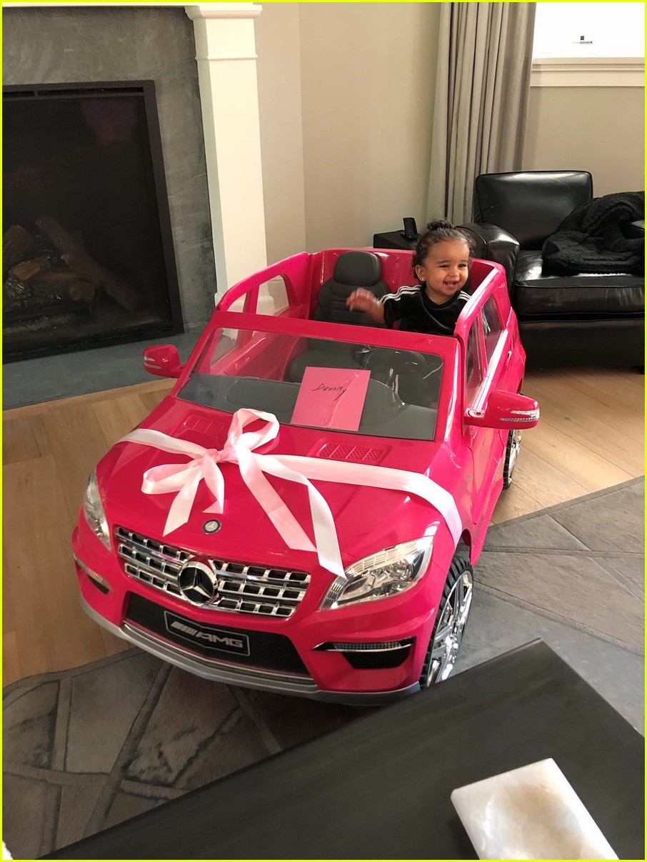 dream kardashian got a car for her birthday 023985628
