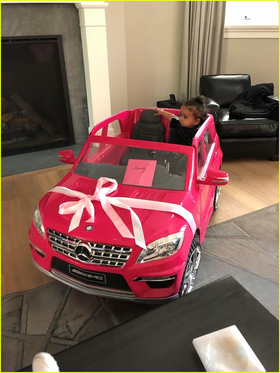 dream kardashian got a car for her birthday 073985633