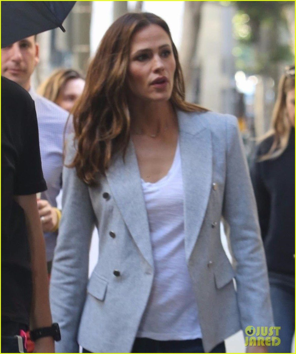 jennifer garner gets to work on upcoming movie peppermint 023984192